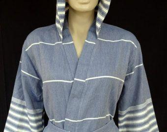 Navy blauwe kleur zacht en licht van gewicht turkse katoen met capuchon badjas, kamerjas.