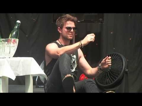 Nathaniel Buzolic is dancing at the BMIF4. - YouTube