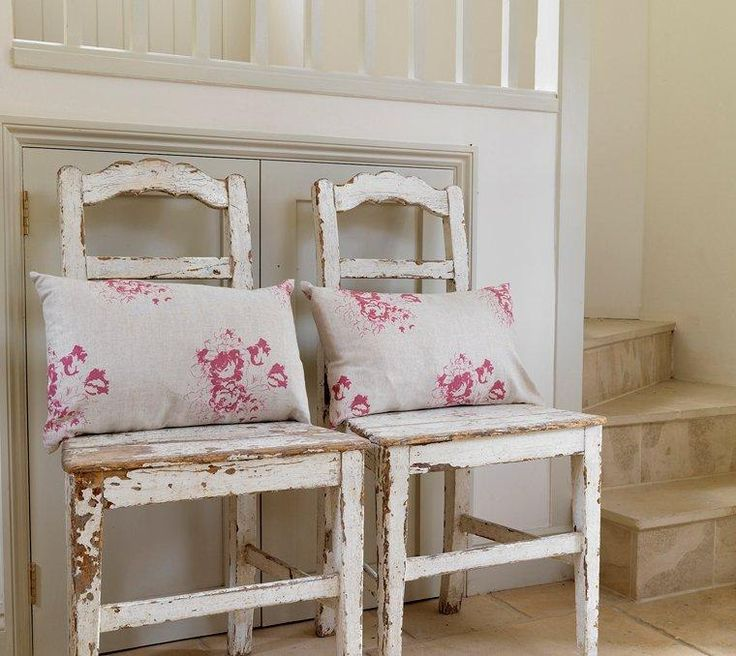 Sugar & Spice Home Furnishings, Interiors and designer gifts Wickham Hampshire custom made curtains blinds throws cushions upholstery fabrics designers Cabbages and Roses
