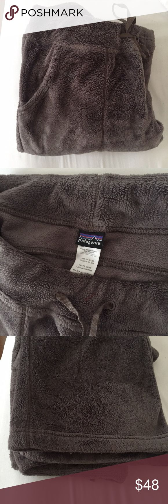 "Patagonia Furry Fleece Straight Leg Pant women's S This is a beautiful pair of Patagonia fuzzy fleece pants. Drawstring with elastic waist. 2 large pockets on the front. No pockets in the back. Made of super soft fleece. Taupy /brown.waist 29"" inseam 32"" rise 9.5"". No flaws. Perfect condition. Patagonia Pants Track Pants & Joggers"