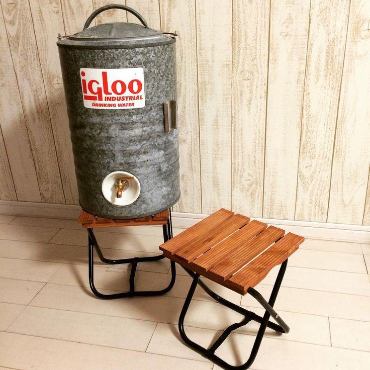 Drifta Kitchen Plans: すみません。 真似です(笑) フォロワーさんから教えてもらいました。 ダイソーの折りたたみ椅子の布を外して セリアのウッドデッキパネルを乗せるだけ。 ちょっとだけ加工がいりますが、簡単にジャグ
