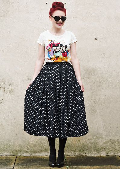 absolutely love everything about this. the heart sunglasses, the disney shirt, the long full polka dot vintage (!) skirt. general awesomeness.