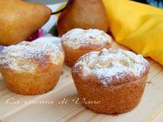 Muffin ricotta e pere senza burro e olio. ricetta per fare dei golosi e soffici muffin con pochi grassi. Ricetta dolce con la frutta e la ricotta.