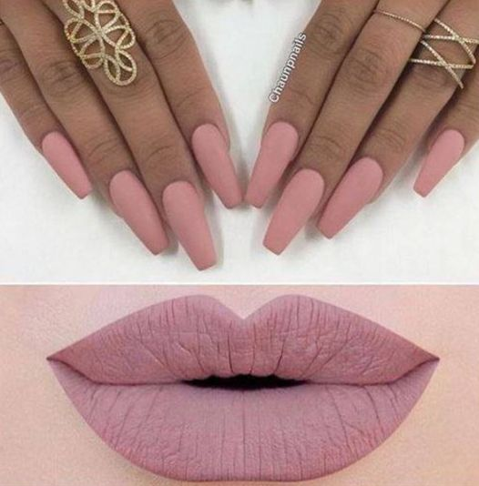 Dusty pink colored lips & #nails