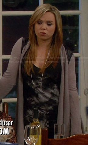 Kristin's black graphic tank top on Last Man Standing