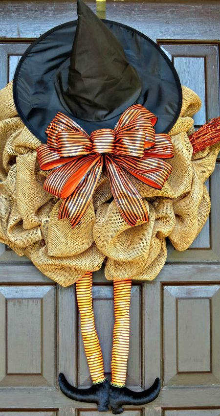 DIY Burlap Witch Wreath Tutorial. How Cute Is This??? LOL