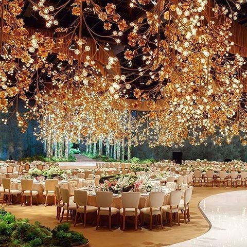 I like this idea with gold leaves
