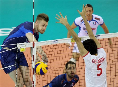 Ivan Zaytsev was outstanding as Italy took the third set 25-22 to beat Iran