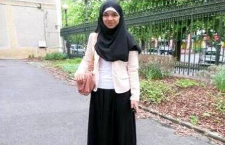 लौंग स्कर्ट पहनकर आई न्यू मुस्लिम लड़की के स्कूल आने पर लगाई पाबंदी