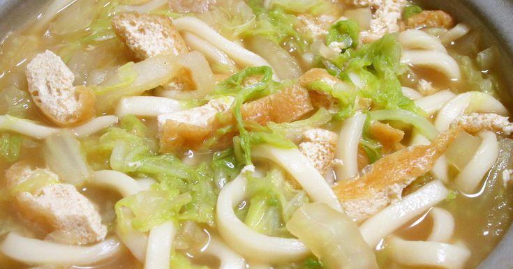 1人前白菜300g使ってます。白菜の良いだしと油揚げだけで煮込んだうどん美味しさじゅうぶんです大きめの土鍋で作って見て!