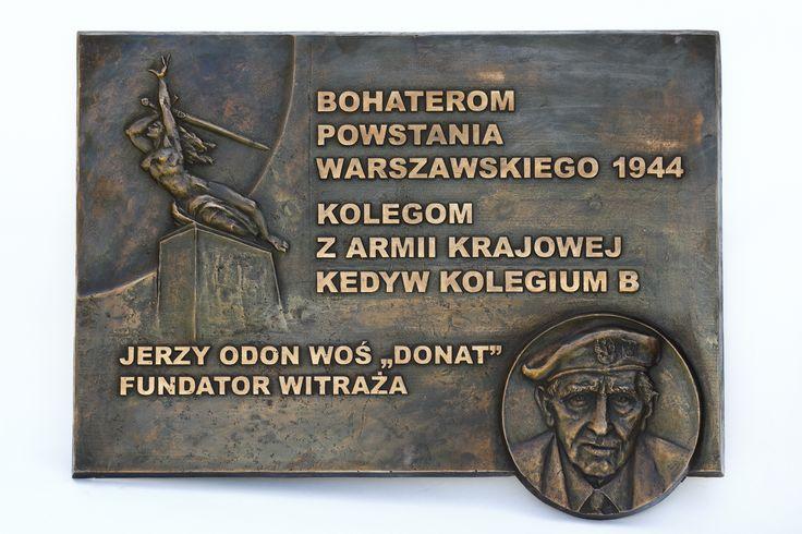 Tablica pamiątkowa poświęcona  Bohaterom Powstania  Warszawskiego 1944 -projekt prof. Marian Konieczny