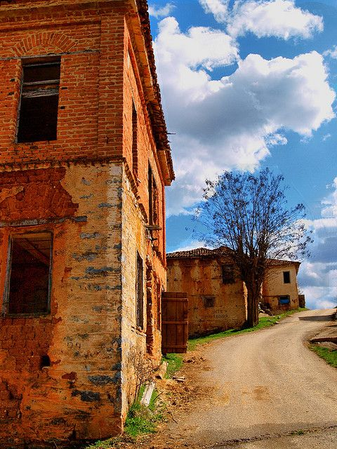 This is my Greece | The abandoned village of Gavros between Kastoria and Florina in West Macedonia