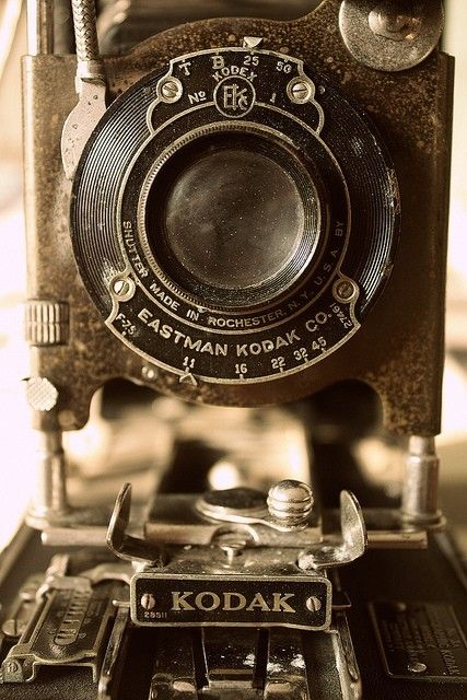 Kodak Eastman: Old Camera, Old Schools, Vintage Camera, Kodak Camera, Kodakcamera, Antique, Photo, Digital Camera, Vintagecamera
