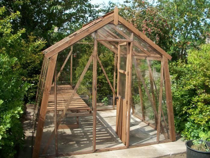 The 25 best wooden greenhouses ideas on pinterest lean for Better homes and gardens greenhouse