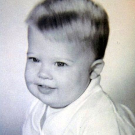 Even before becoming one of the hottest actors in Hollywood, this kid was a total babe. ~ NEVER would've guess this guy!