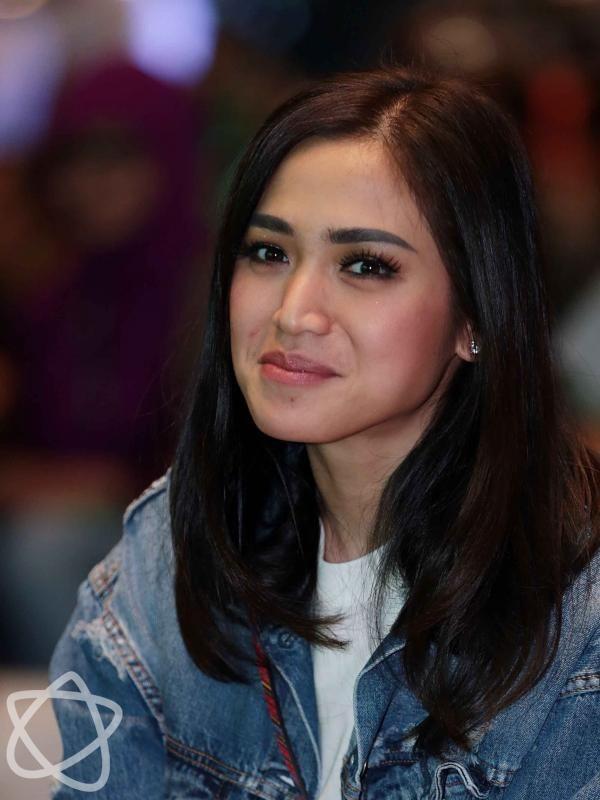 Jessica Iskandar Bukan Teman Baik Raffi Ahmad? - http://wp.me/p70qx9-8cB