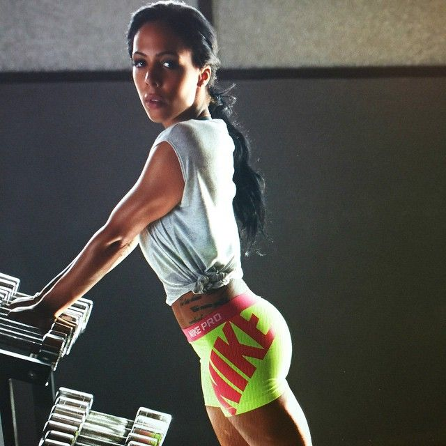 Sydney Leroux. 'Don't be upset with the results you didn't get with the work you didn't do.' #nikewomen (Instagram)