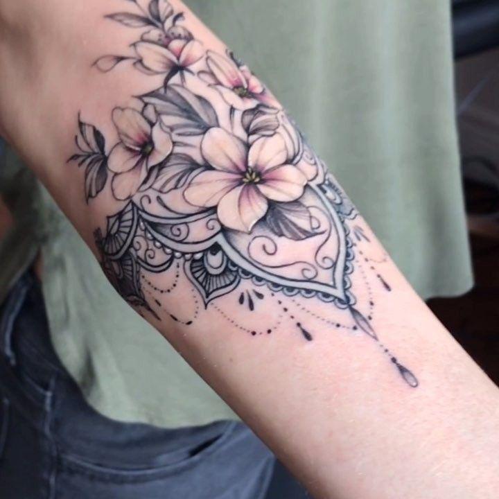 Kleine Tätowierung sehr empfindlich 🌸 Sitzung 2h15 #BodyArtModels #sensitive # … #Tattoos #Ale