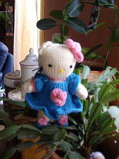 du tricot et des jouets: explications pour réaliser Hello Kitty
