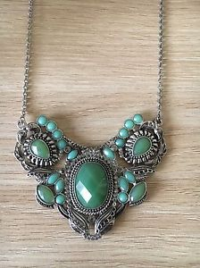 Gorgeous Angelique Nickel Vintage Style Green Necklace , Wedding Jewelry New  | eBay
