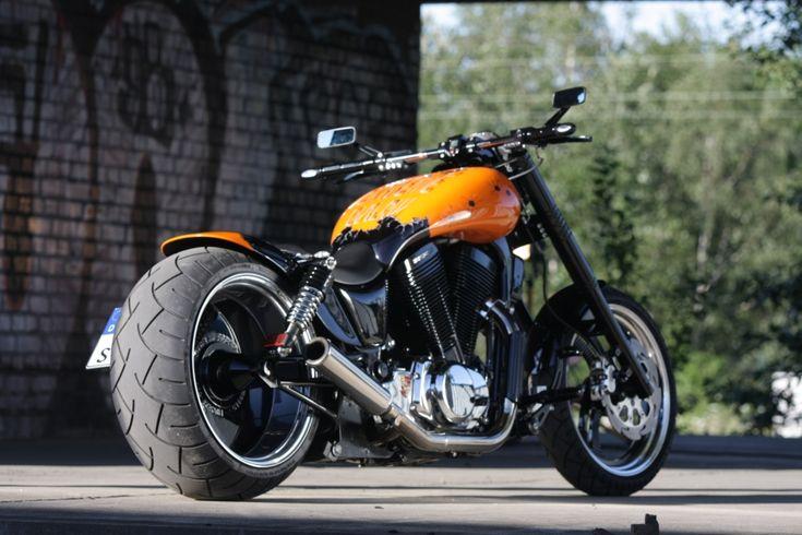 38 awesome suzuki intruder 1400 custom images moto. Black Bedroom Furniture Sets. Home Design Ideas