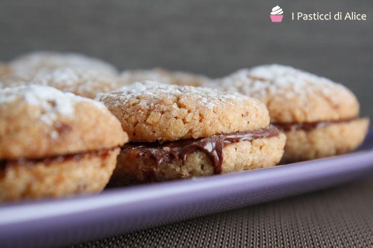 Biscotti Nocciola e Nutella http://blog.giallozafferano.it/pasticcidialice/biscotti-nocciola-nutella/