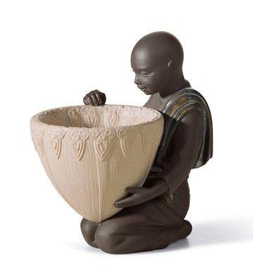 01012494  POTPOURRI OFFER (BLACK)   Issue Year: 2006  Sculptor: Francisco Cuesta  Size: 14x9 cm