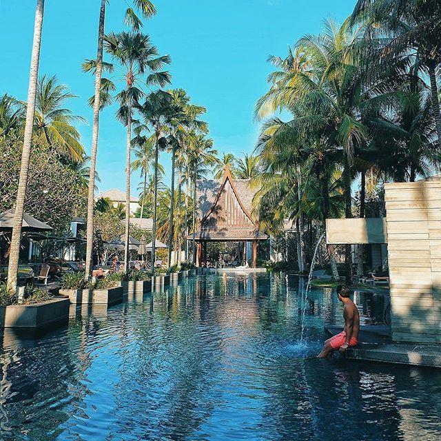 🌎Твинпалмс Пхукет | Чернгталай | Пхукет | Тайланд.🇹🇭  📝Курортный отель Twinpalms Phuket располагается недалеко от достопримечательности Surin Beach🌅 и предлагает такие удобства, как услуги дворецкого,👮 приватный пляж и плавательный бассейн. Постояльцам предлагаются 5-звездочные номера с кондиционером.  Постояльцы могут насладиться процедурами массажа, а также услугами по уходу за телом и лицом💆 в расположенном на территории дневном спа Sun Spa Esthederm. В любое время дня и ночи…