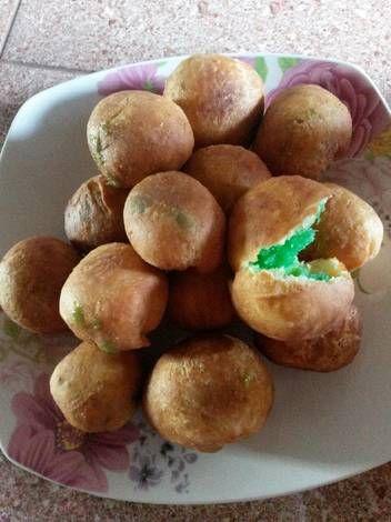 Roti goreng isi pandan kelapa