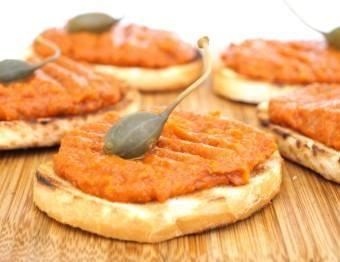 Crostini with bell pepper caviar