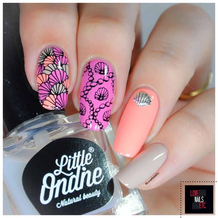 The 1210 best Nail art images on Pinterest | Christmas nails ...