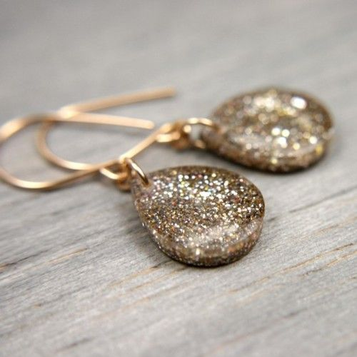 Love these glitter drops.
