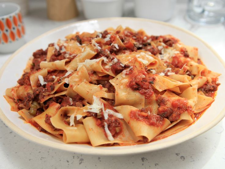 Spicy Sausage Bolognese with Pappardelle Recipe : Rachael Ray : Food Network - FoodNetwork.com