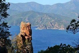 """Voyagez avec """"Le Temps est assassin"""" le nouveau roman de Michel Bussi jusqu'en Corse !  #Corse #michelbussi #bussi #pressesdelacité #roman  #Corse #Piana #letempsestassassin"""