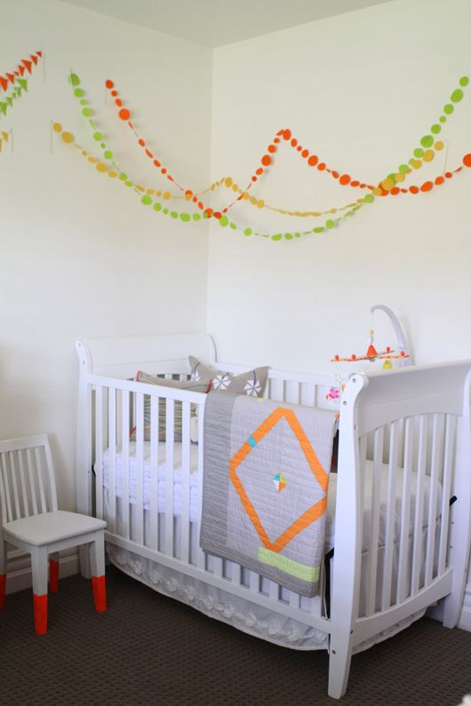 Captivating Bright Color Added With DIY Garlands. For When You Cant Change The Wall  Color. // I Like The Idea Of Garlands Of Some Sort From The Light To The  Walls, ...