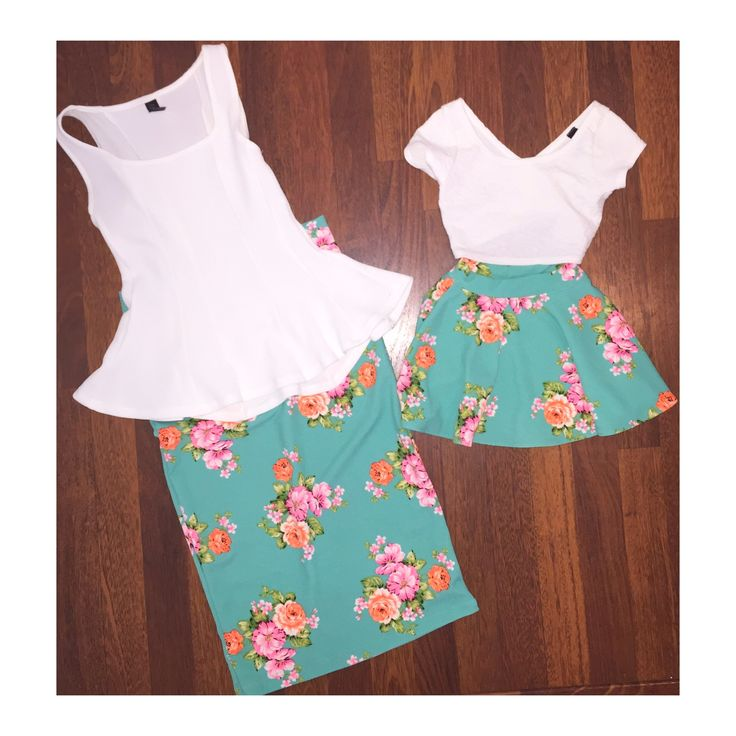 This+is+a+mint+floral+woman's+skirt+perfect+for+any+occasion.