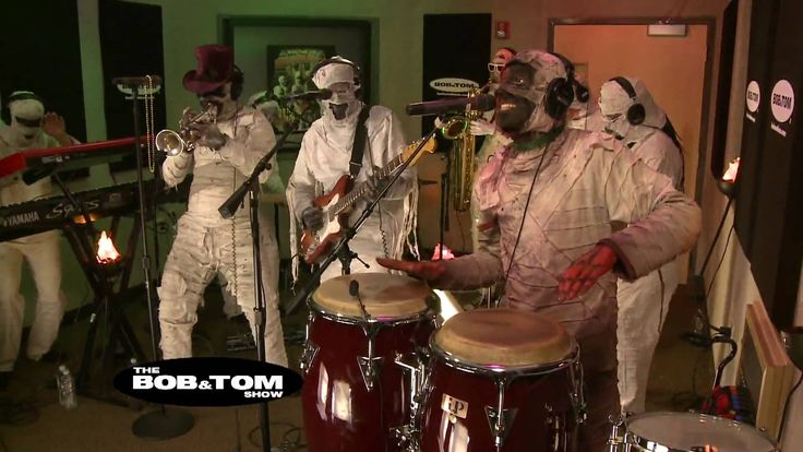 Dirty Minds - Here Come the Mummies
