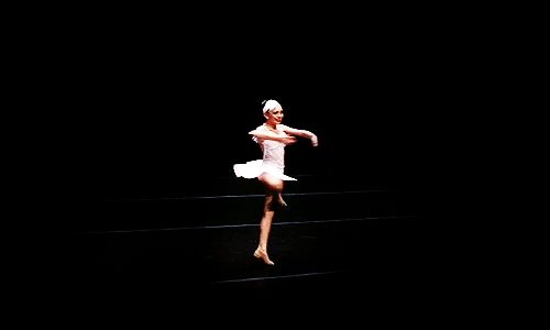 When her turn was so graceful you just couldn't stop watching: | 17 Times Maddie Ziegler's Dance Moves Blew Your Freakin' Mind