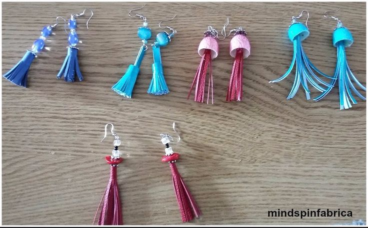 Handmade earings with beads, silk cocoons and leather tassels. Σκουλαρίκια με φούντες από δερματίνη_mindspinfabrica