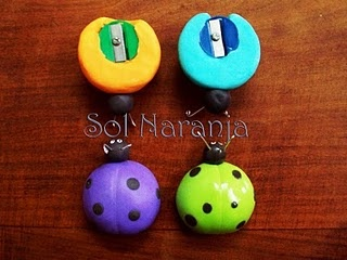 pencil sharpeners on bottom disguised as colorful ladybugs  Saca punta en porcelana fria