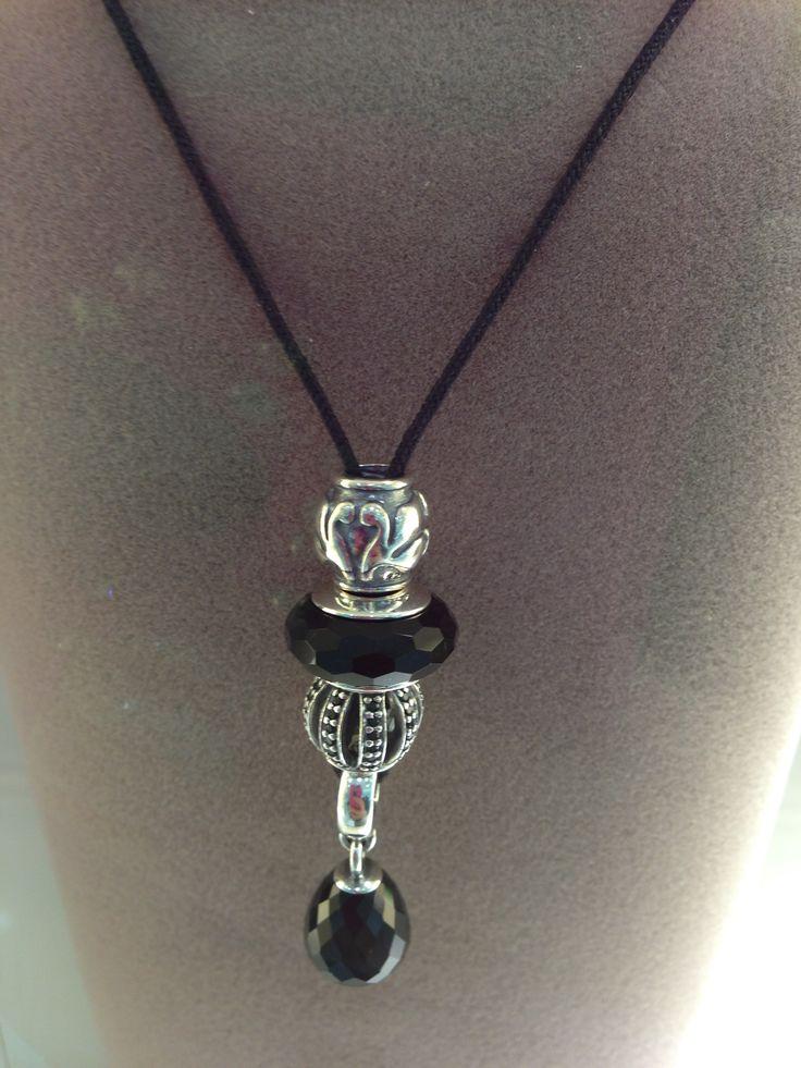 Idées de compositions de colliers Pandora. Il y a de la créativité dans l'air !! http://www.bijoux-et-charms.fr/44-pandora-collier-chaine-pendentif
