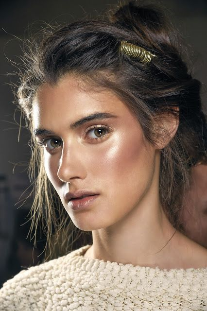 "MAC S/S16 Trend: Luster. Clean ""no-makeup"" look with lashes and hyper-real skin Seen on: Preen, Proenza Schouler, Alberta Ferreti Key products: Strobe Cream Pearl Cream Colour Base Luna CCB Joy Toy – Foiled Shadow (Faerie Whispers) A Sprinkle Of Magic - Lipstick (Faerie Whispers) Midsummer Night - Lipstick (Faerie Whispers) Gossamer Wing – Lipstick (Faerie Whispers) Mineralize Skinfinish in Lightscapade"