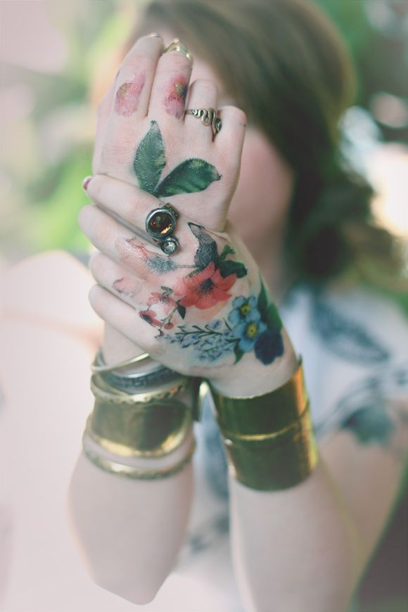 Floral Obsessed: Temporary Tattoos   Free People Blog  - Anky <3