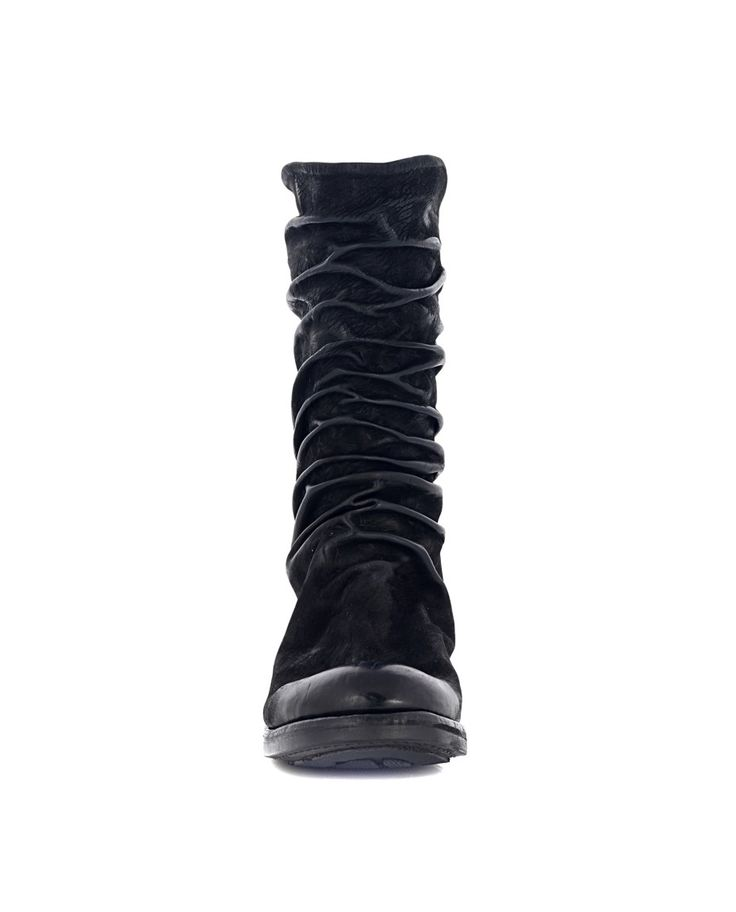 THE LAST CONSPIRACY LEATHER BOOTS The Last Conspiracy Woman Black boots with zipper wrinkled calfskin black leather sole back zipper closure 100% Leather