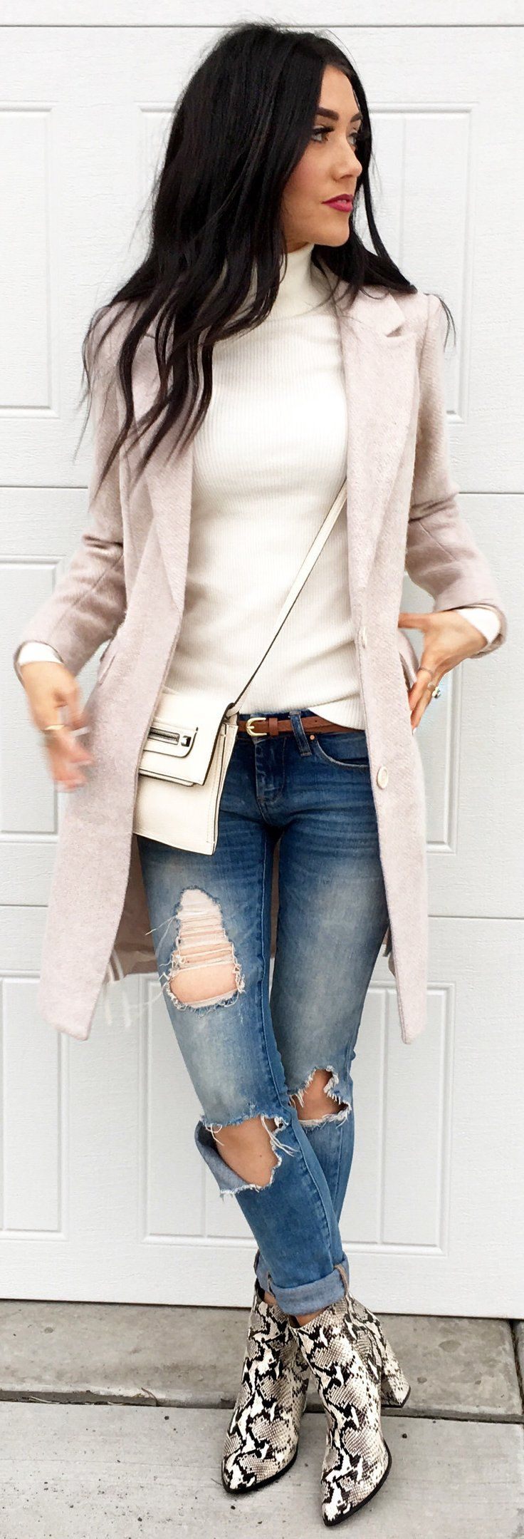 #winter #fashion /  Light Pink Coat / White Turtleneck / Ripped Skinny Jeans / Snake Print Booties