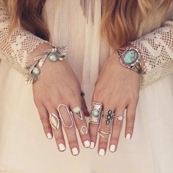 mixed rings and white nails #freepeople #fpme