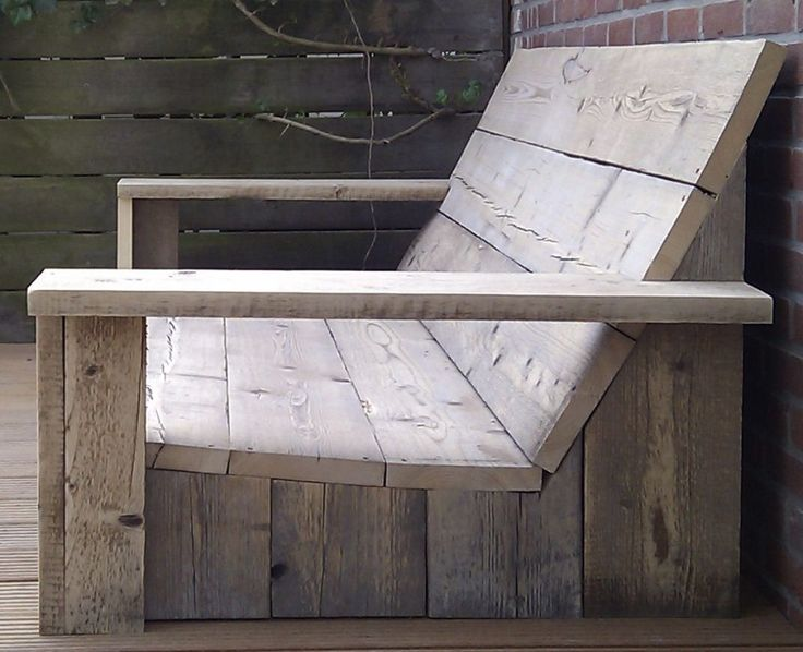 DIY: recycled/scaffolding timber outdoor lounger chair