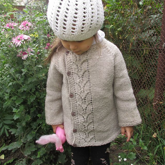 Ravelry: Leaf Love Baby Sweater pattern by Taiga Hilliard Designs (free pattern)