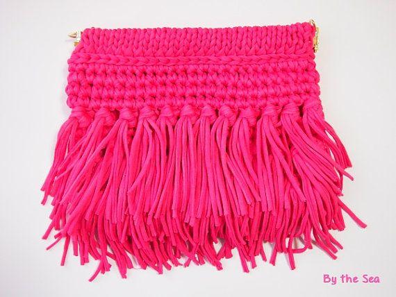 T shirt yarn  crochet Fringe #ClutchBag   Fushia pink by BytheSeajewel