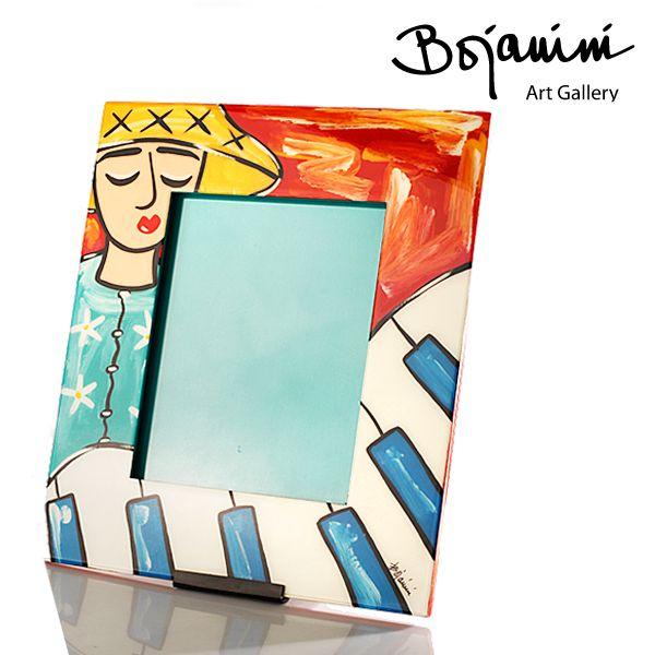 Adorna tus mejores fotografías con este portarretrato pintado a mano de Bojanini. http://www.elretirobogota.com/esp/?dt_portfolio=bojanini-art-gallery